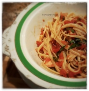 fettuccine with fresh tomatoes and basil