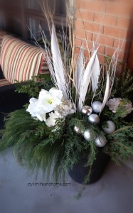 winter white outdoor arrangement