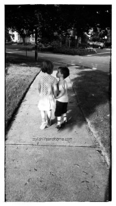 modern kid photography kisses
