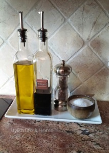 oil and vinegar for salad